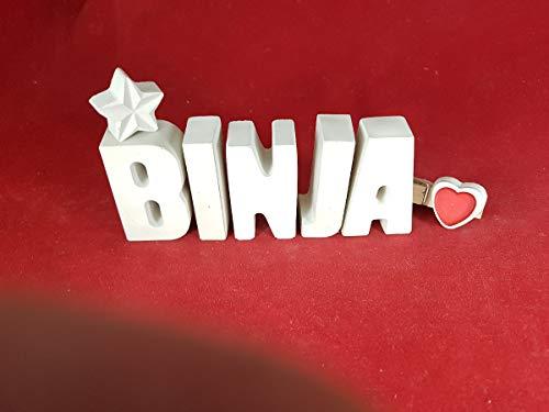 Beton, Steinguss Buchstaben 3D Deko Namen BINJA mit Stern und Herzklammer als Geschenk verpackt! Ein ausgefallenes Geschenk zur Geburt, Taufe, Geburtstag, Namenstag oder auch zu anderen Anlässen.