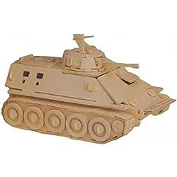 Maqueta de madera de un tanque militar