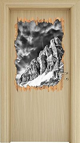 Monocrome, Majestic mountain range in sunlight wood breakthrough in 3D