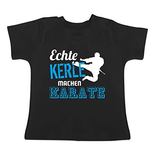 Sport Baby - Echte Kerle Machen Karate - 3-6 Monate - Schwarz - BZ02 - Baby T-Shirt Kurzarm