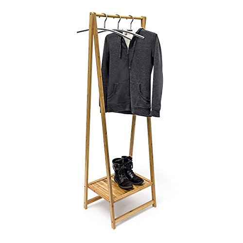 Relaxdays Kleiderständer Bambus H x B x T: 156 x 56,5 x 40 cm stabiler Garderobenständer aus Bambus mit 1 Ablagefläche im originellen gekreuzten Design als Schuhablage für Flur und Diele, natur (Herren-stiefel Rustikale)
