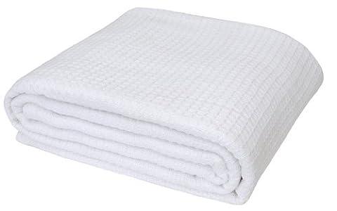 Homescapes waschbare Piqué Waffel Decke 180 x 230 cm Tagesdecke Überwurf Plaid aus 100% biologischer Baumwolle,