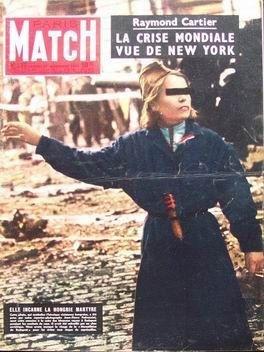PARIS MATCH [No 397] du 10/11/1956 - LA CRISE MONDIALE VUE DE NEW YORK LA HONGRIE MARTYR RŽsistante hongroise OpŽrŽe sous hypnose Soutien Ë la Hongrie : les capitales descendent dans la rue La tragŽdie hongroise Le roman de NapolŽon IV Port Saâ ¢d Ira de Furstenberg, 16 ans, naissance de Christoff Hiroschima le jour de la bombe par COLLECTIF