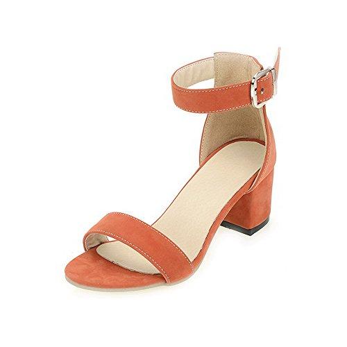 AllhqFashion Femme Couleur Unie à Talon Correct Ouverture D'Orteil Suédé Boucle Sandales Orange