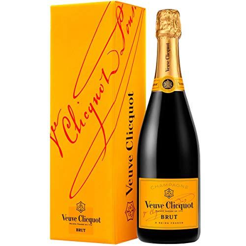 "Oferta especial ! ! !   Botella de Veuve Clicquot Brut 75 cl CON CAJA   Veuve Clicquot - Brut Yellow Label   "" La Etiqueta Amarilla"" símbolo indiscutible de Veuve Clicquot , reconocible a simple vista , y señala a las señas de identidad de la Maison ..."