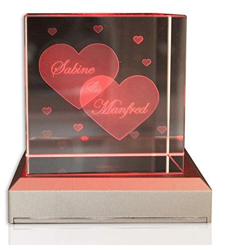 VIP-LASER Glaswürfel XL mit Zwei großen Herzen und kleineren Herzen graviert. Gravur Namen kostenlos - ideal zum Jahrestag, Weihnachten.
