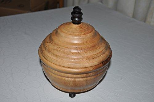 Nüsse Dekorative (dekorative Schmuckdose aus selten gemaserter europ. Nuss.)