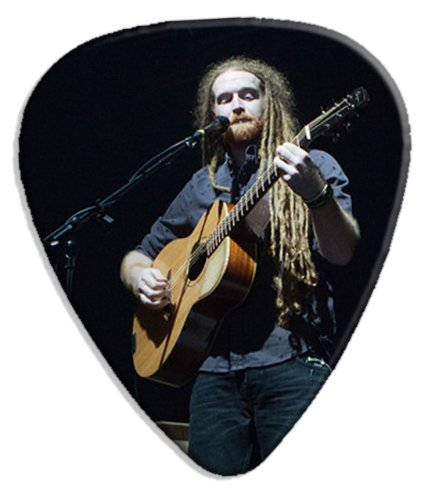 newton-faulkner-dw-big-live-performance-guitare-mediator-pick