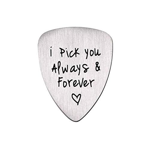 Preisvergleich Produktbild VORCOOL Titanium Steel Carved Guitar Pick Ich wähle Sie für Immer Buchstabe Gravierte Ukulele Pick Musikinstrument Zubehör