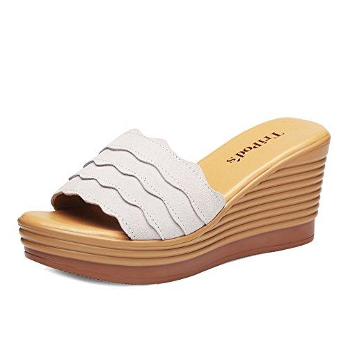 Pendenza con sandali di moda estiva/Spessore con una parola trascinata con i sandali A