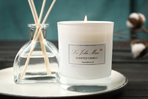 candele-profumate-al-legno-di-sandalo-e-ribes-nero-candela-alla-cera-di-soia-100-in-vasetto-delicata