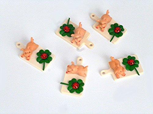 ERRO Brotzeitbrett mit Schwein und Kleeblatt, 5er Set Kunststoff - Tolle Geschenkidee für Viel Glück, Glücksbringer Zum Basteln, Bastelbedarf, Brett mit Marienkäfer auf Glücksklee und Schweinchen
