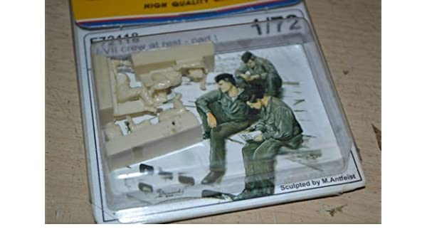 3 fig. CMK F72118 1//72 U-VII crew at rest part I