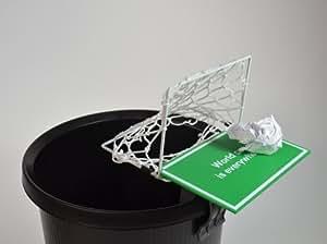 Cage de foot pour la corbeille à papier avec cris de triomphe
