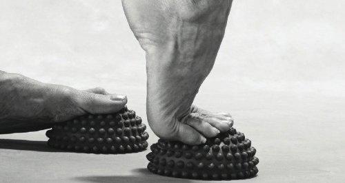 Yamuna Body Rolling Foot Wakers