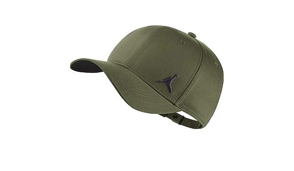 f22394ea702a Nike Cappello Jordan CLASSIC99 Metal Jumpman  Amazon.co.uk  Clothing
