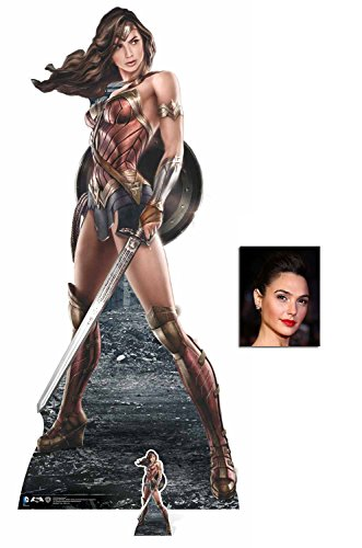 Fan Pack - Wonder Woman holding Sword and Shield Lebensgrosse und klein Pappaufsteller - mit 25cm x 20cm foto (Wonder Dekorationen Woman-party)