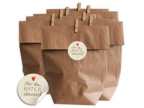 Eine der Guten Geschenktüten Set für Hochzeit Gastgeschenke oder Party Survival Kit | 24 Kraftpapier Tüten zum selbst Befüllen | inkl. Holz Miniklammern und Für den Kater danach! Aufkleber, matt