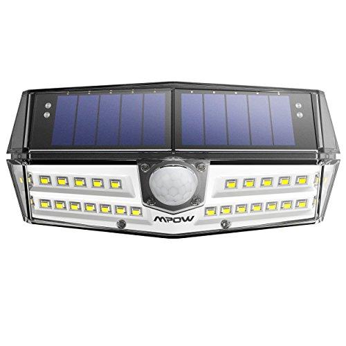 Tipo nouvo mpow 30 led luce solare impermeabile ipx6+, lampada solare con sensore di movimento, leader del settore sunpower pannello solare, testa di sensore aggiornata con 120 °, grande luce solare esterna per giardino, vialetto, cantiere, garage, percorso e patio.
