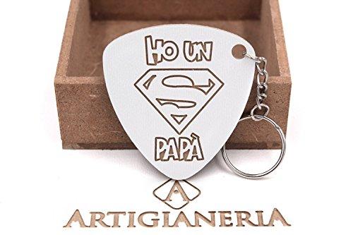 Artigianeria - portachiavi in legno, dedicato a tutti i super papà. realizzato a mano interamente in italia. idea regalo per ogni occasione.