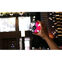 Poke Go Ball Power Bank 10000 mAh da viaggio potabile Custodia USB caricabatteria Power Bank Batteria Esterna 10000 mAh Pokemon Go Ball Shap per Smart Phone o altri dispositivi con luce LED portatile ricarica figure giocattoli per iPhone Samsung