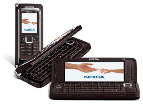 Nokia E90Communicator Smartphone Moka + Karte 512MB HSDPA/Quadband/GPS/App Foto 3,2Megapixel/Bluetooth/MP3/Radio FM/Speicher rot