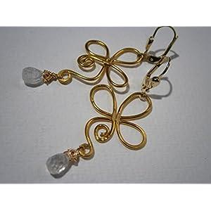 Ohrringe weiß Mondstein Tropfen facettiert in wirework vergoldet gehämmert Brautschmuck als Geschenk im Etui