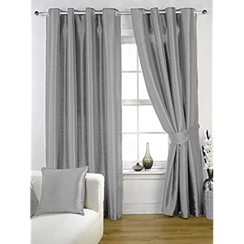 bedroom and with home interior curtains