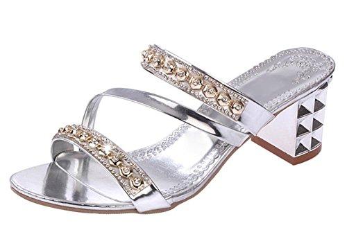 Outdoor-Sommer-flache Sandalen und Pantoffeln Wort ziehen Frauen Strand Pantoffeln Frau Silver