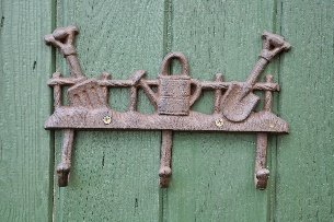 delightful-garden-cast-iron-coat-hook-with-3-hooks-great-gift-idea-for-any-keen-gardener