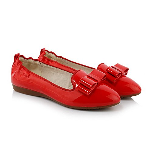 AllhqFashion Damen Rein Lackleder Niedriger Absatz Ziehen Auf Rund Zehe Pumps Schuhe Rot