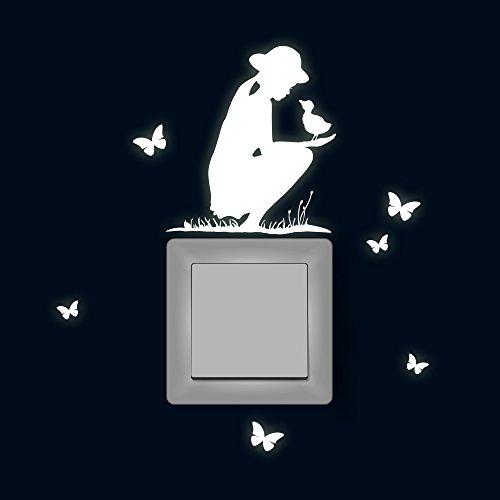 Lichtschaltertattoo Lichtschalteraufkleber Lichtschaltersticker Wandtattoo Wandbild Mädchen mit Gans Küken und Schmetterlingen fluoreszierend M1882 (Gans Mädchen)