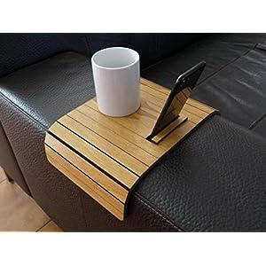 Holz sofa armlehnentisch mit smartphone stehen in vielen farben wie helle nussbaum Armlehnentablett Moderner tisch für couch Klein schleichendes sofatisch Armlehne flexibel tablett