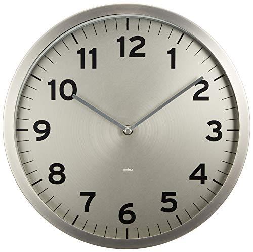 UMBRA Anytime clock nickel. Horloge murale silencieuse Anytime en métal, dimension 31.8 de diamètre par 3.9cm. Coloris nickel.