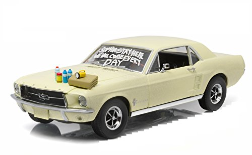Green Light The Walking Dead Ford Mustang Coupe Sophia Message Car (1:18 Scale)