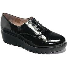 Zapato plataforma Extralight charol negro de Wonders, modelo C3340.