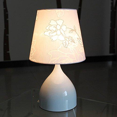 Modernes einfaches warmes und romantisches Tischlampe Nachtlicht Als das Bett Ornamente Dekorative Tischlampe im Schlafzimmer