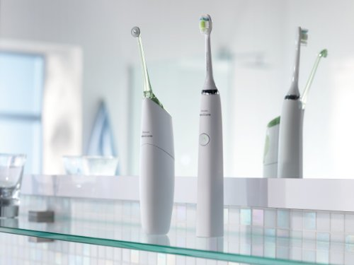 Philips Sonicare DiamondClean Electric Toothbrush – 2015 model White Edition (UK 2-pin plug)