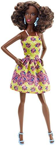 Mattel Barbie DGY65 - Modepuppe, Fashionista im gelben Blumenkleid