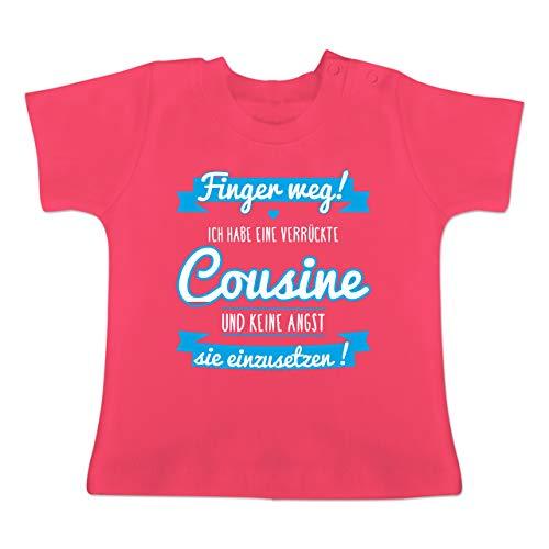 Sprüche Baby - Ich Habe eine verrückte Cousine blau - 18-24 Monate - Fuchsia - BZ02 - Baby T-Shirt Kurzarm -