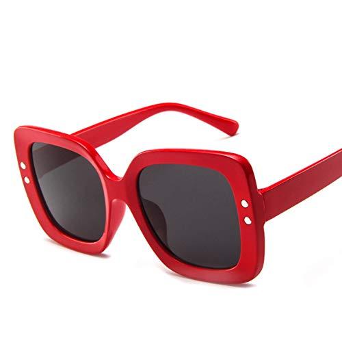 WTACK Quadratische Weinlese-Sonnenbrille-Frauen-Ozean-Linsen-Straßen-Schlag-Gläser, die weibliche Sonnenbrille UV400 kaufen