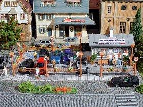 """Vollmer 5597 - Tienda de coches de segunda mano """"Freddy"""" Importado de Alemania"""
