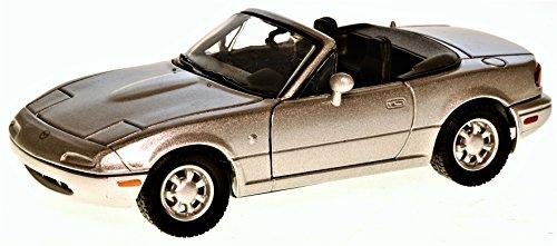 Motor Max Mazda MX-5 Miata silber 1:24 (Mazda Miata Motor)