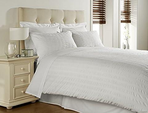 Spa Range Luxury Seersucker White Duvet Cover Bedding Set / Double / King / Super King (Double Bed) by Fine Linen Company