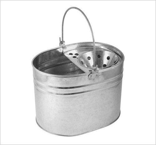 Cubo de fregona de metal galvanizado