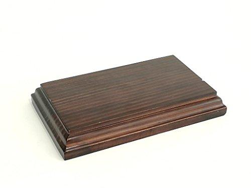 Peana rectangular. Acabado barniz nogal satinado. Madera maciza. (10*17 cms)