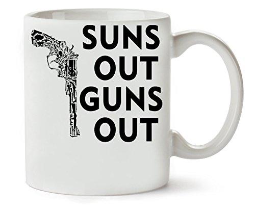 MugsWorld Suns Out Guns Out Revolver Fashioned Klassische Teetasse Kaffeetasse