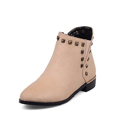AgooLar Damen Niedriger Absatz Rein Rund Zehe Mattglasbirne Stiefel mit Rivet Set Cremefarben