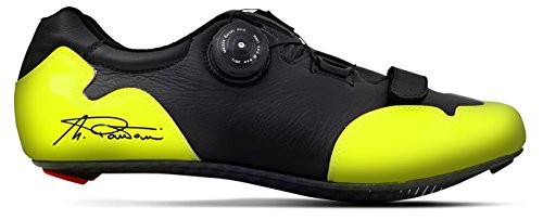 "Breathable handmade cycling shoes made in Italy, model ""Marco Pantani"", with carbon sole with innovative technical fabric attached to the real leather, sizes 39 / 46, women's Man Unisex adult, color calzatura: Nero e Giallo"