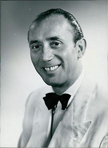 vintage-photo-of-portrait-of-sidney-lipton